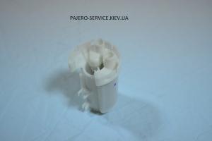 Топливный фильтр бензин Паджеро 3.0/3.8